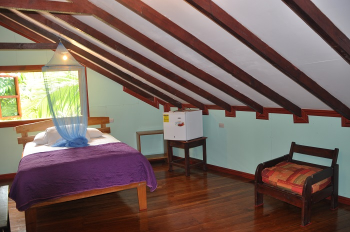 triple room 3 minutes from the beach, Drake Bay